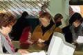 Sicilia, impiegato dell'anagrafe gioca al solitario al pc mentre gli utenti aspettano in fila