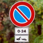 Canicattì, calcinacci in strada: istituito divieto di fermata in via Bronte