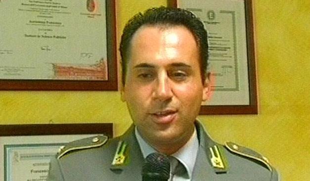 Il tenente francesco auriemma insignito dell onorificenza for Decreto presidente della repubblica