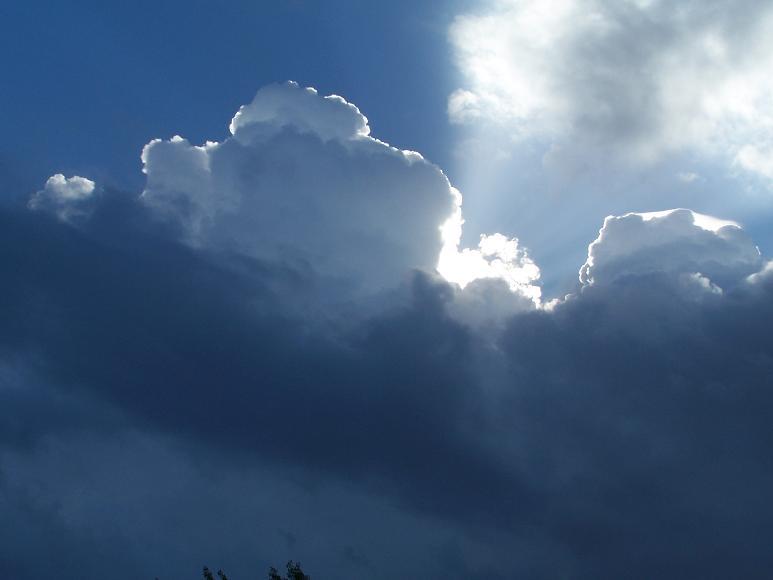 Meteo, addio bel tempo, arriva la pioggia