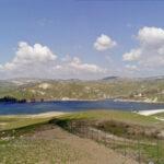 Naro: pesci morti, alghe e schiuma bianca alla diga San Giovanni