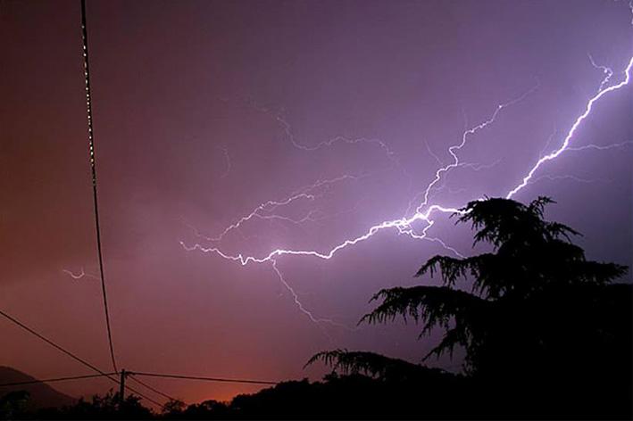 """Arriva bassa pressione a Centro Sud con piogge e temporali"""""""