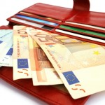 Licata, trova portafogli con oltre mille euro in contanti e lo restituisce
