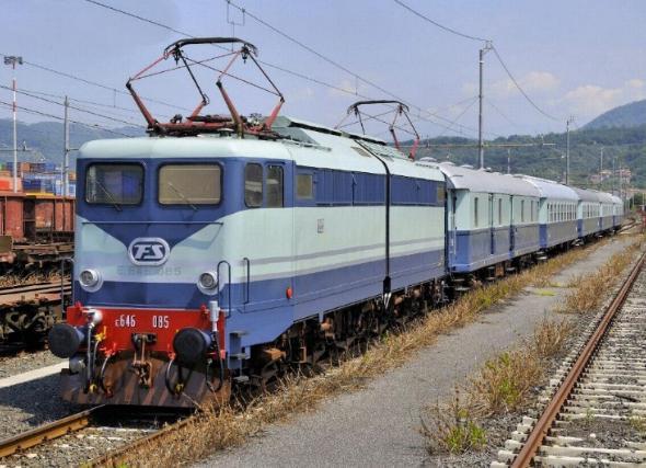 Catania - 66enne travolto dal treno
