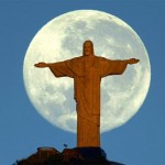 Favara, vandali danneggiano la statua del Cristo