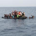 Gommone affonda con 20 migranti: salvi solo in 3, gli altri sono dispersi