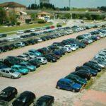 Raid vandalici su auto parcheggiate