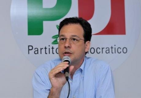 Giuseppe Lupo è il presidente del gruppo parlamentare PD all'Ars