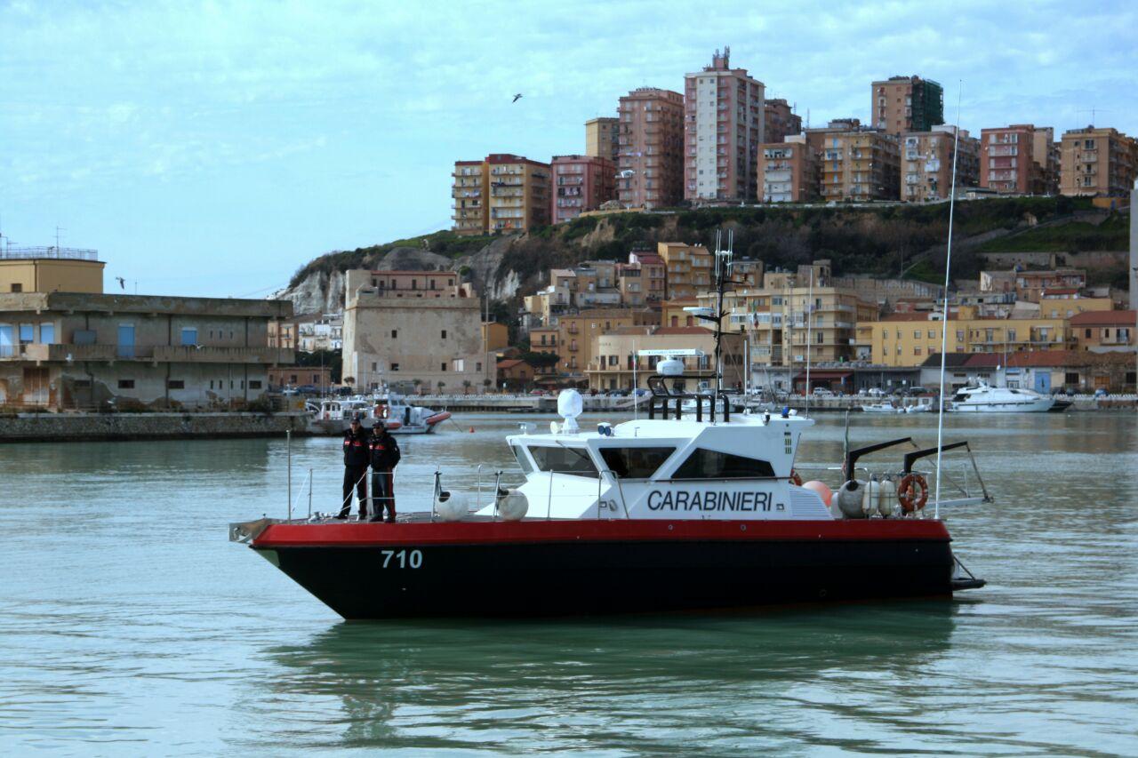 Palma di montechiaro i carabinieri salvano in mare un for Meteo palma di montechiaro