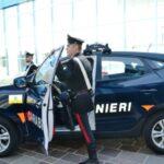 Lampedusa, picchia impiegato comunale e ferisce due Carabinieri: arrestato
