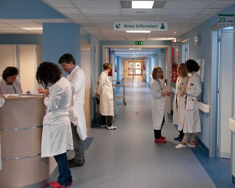 Parma, muore a 18 mesi dopo due giorni di febbre: aperta inchiesta