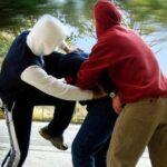Canicattì, prima litigano tra di loro e poi si scagliano contro i Carabinieri