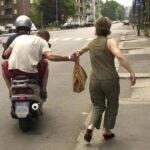 Licata, ritira la pensione e viene aggredita: 76enne in ospedale