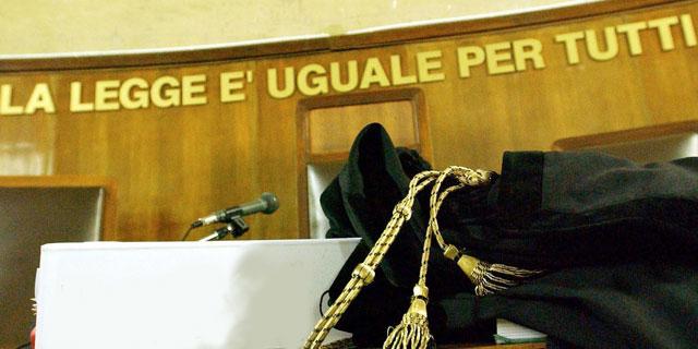 Droga in casa pronta per lo spaccio, blitz dei Carabinieri: due arresti