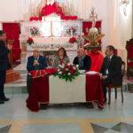 """Il Club delle mamme """"Pina Tricoli Livatino"""" dona un vestito in segno di devozione a Gesù Bambino di Capodanno"""