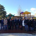Deputati 5 stelle all'Ars donano parco giochi in quartiere periferico a Favara