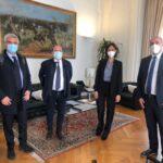 I Sindaci agrigentini protestano davanti palazzo Chigi e sono ricevuti dai ministri Gelmini e Carfagna